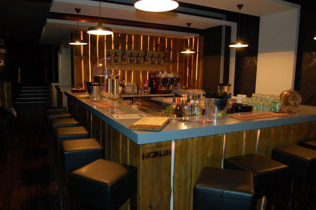 Große Bar im Kiezklub